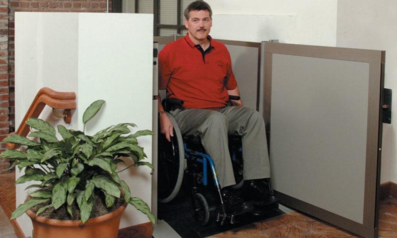 Unenclosed Vertical Platform Wheelchair Lift 5